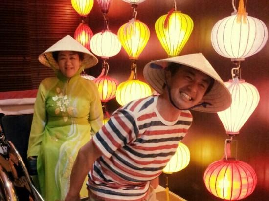 ベトナムで研修中